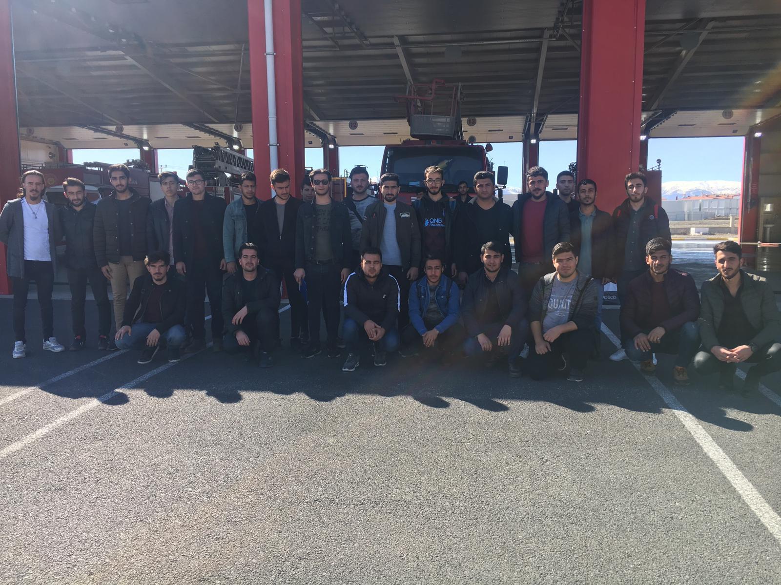 MYO Sivil Savunma ve İtfaiyecilik Programımız Tarafından Erzincan Belediyesi İtfaiyesine Ziyaret.